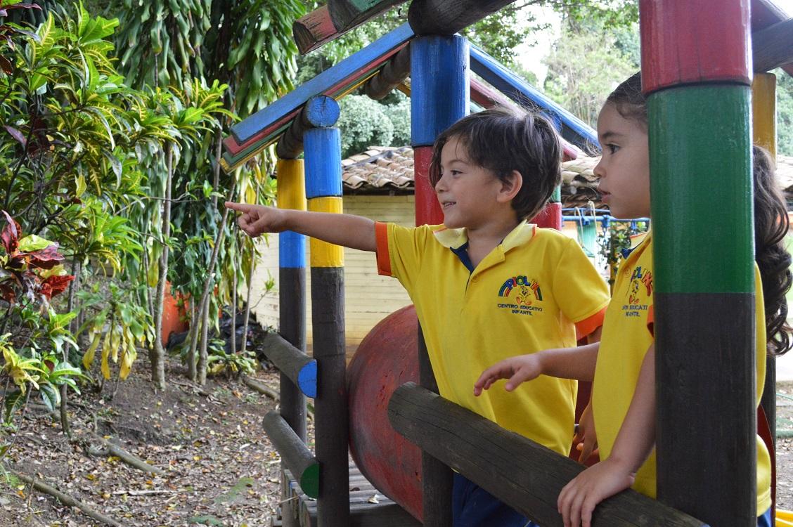 Centro educativo infantil piolin en medell n tel fono y for Cascanueces jardin infantil medellin