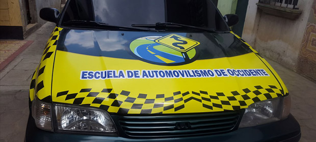 Escuela De Automovilismo De Occidente