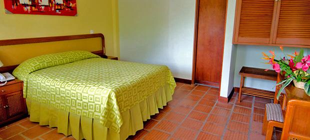 Hosteria Y Hostal Guaracu