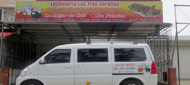 A. A Lechonería Los Tres Cerditos