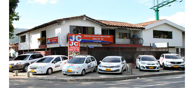 Escuela De Automovilismo J.C.