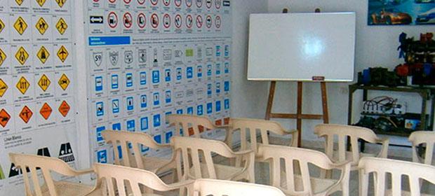 Academia De Conducción Junior