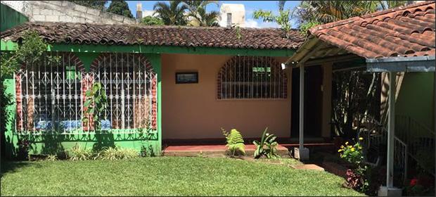 Jardin De Los Abuelitos