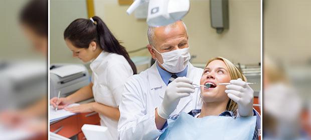 Especialistas Dentales